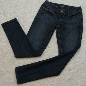 Seven7 Medium Wash Skinny Blue Jeans Size 25